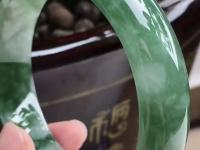 真翡翠手镯一般价格多少钱一克