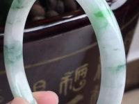 满阳绿糯种翡翠手镯价格