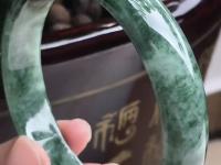 一般满绿翡翠手镯价格