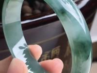 清代糯种满绿翡翠手镯价格