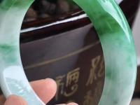 青豆种翡翠手镯价格
