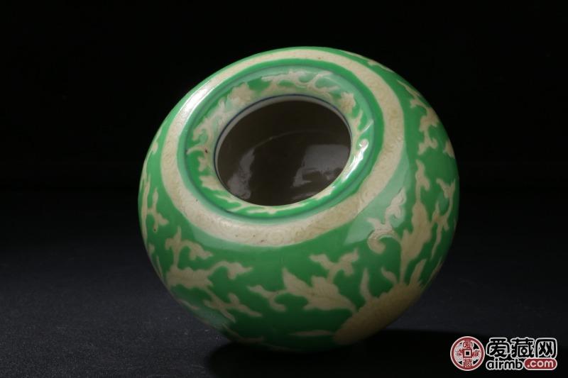绿地刻花黄釉花卉瓷水盂口