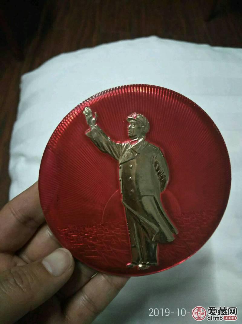 特大毛主席全身站立招手高浮雕像