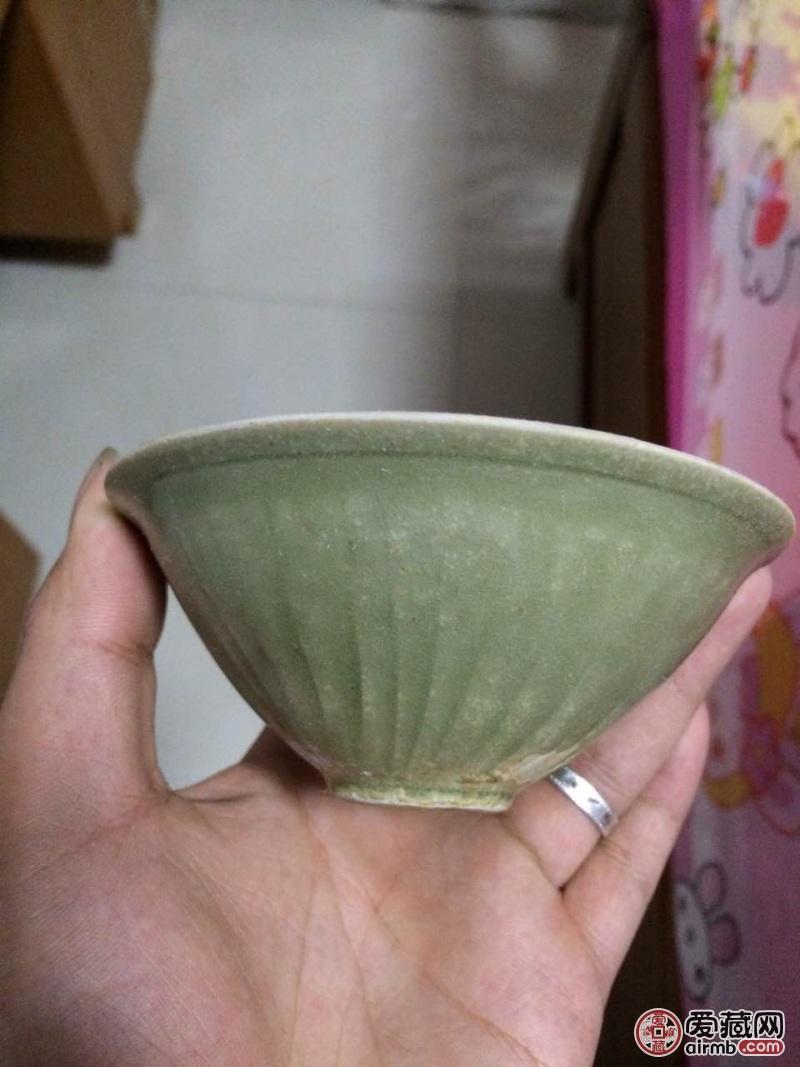 宋代耀州窑团菊茶盏